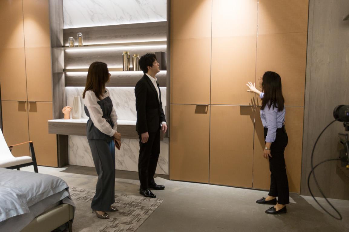 皮阿诺旗舰展厅首次闪耀亮相直播间,新品惊艳品质让李云迪赞叹不已!